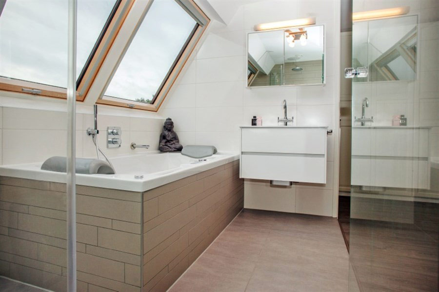 Attic inspiration... from an old balcony to a new bathroom